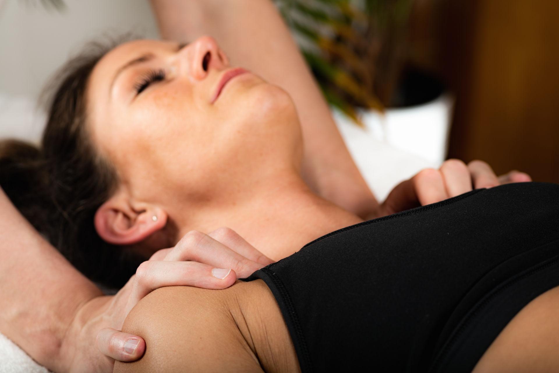 bowen kezelés, bowen terápia, passzív terápiák, aktív mozgásterápia